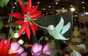 Центр дополнительного образования приглашает на феноменальный мастер-класс «Создание цветов из мастики»